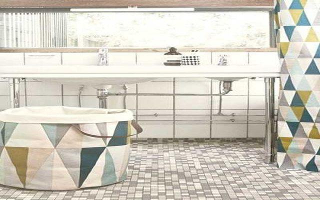 Jak urządzić małą łazienkę, aby była ładna i funkcjonalna?