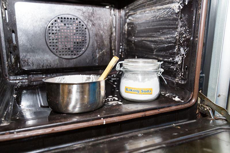 Czyszczenie piekarnika z termoobiegiem - sprawdzone metody i domowe sposoby 2