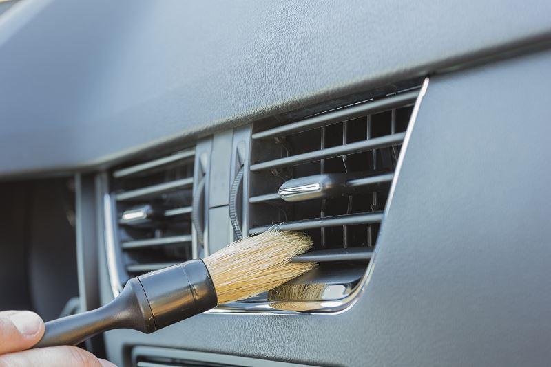 Jak wyczyścić klimatyzację samochodową? Sprawdzone sposoby 2