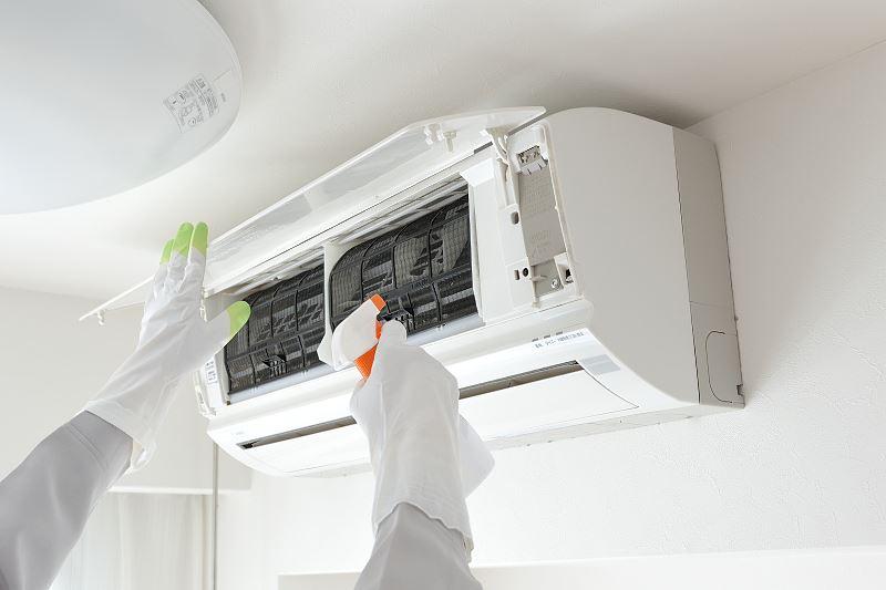Preparat do czyszczenia i odgrzybiania klimatyzacji - który wybrać? Porównujemy 2