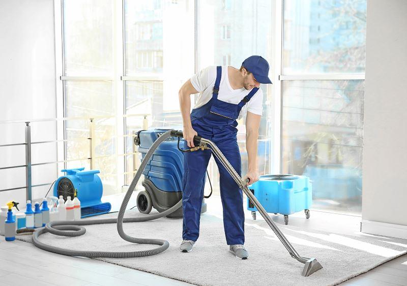 Czyszczenie dywanów - sposoby chemiczne i inne, polecane środki, porady, ceny prania 2
