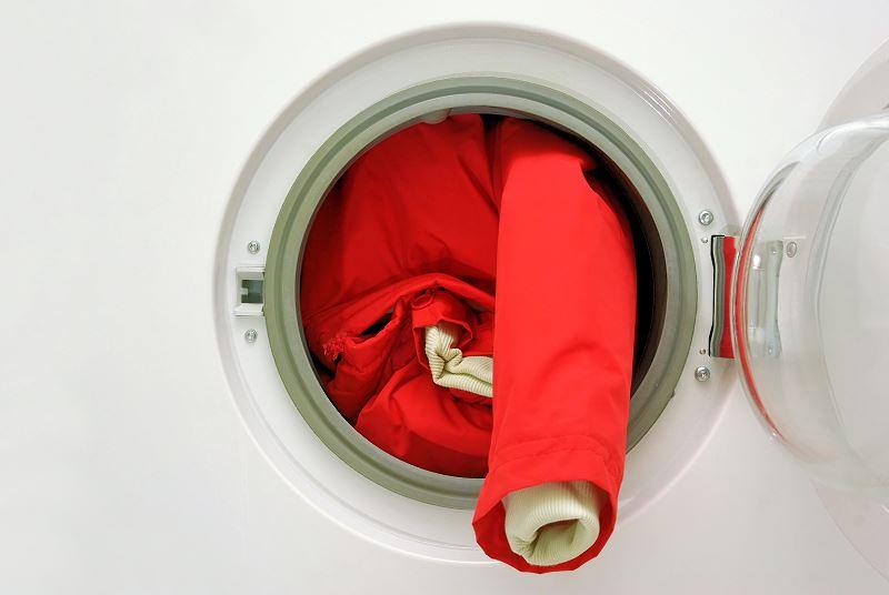 Jak prać kurtkę puchową z pierza? Praktyczny poradnik 2
