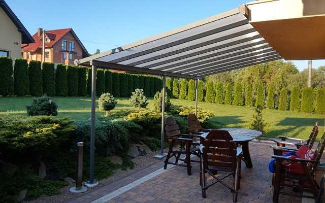 Jakie pokrycie dachowe wybrać do wiaty tarasowej?