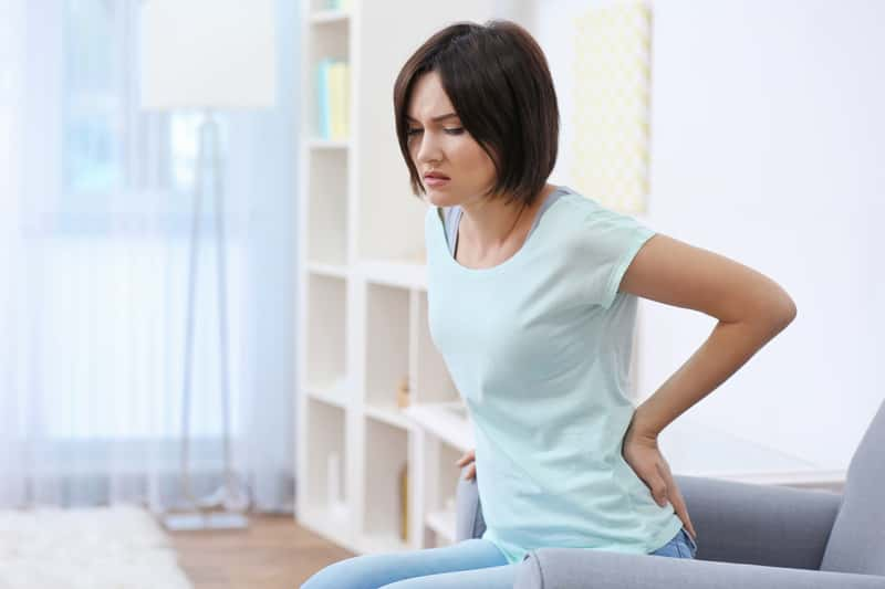 Jak złagodzić ból nerek? Co pomaga najlepiej? Jak go leczyć? Radzimy