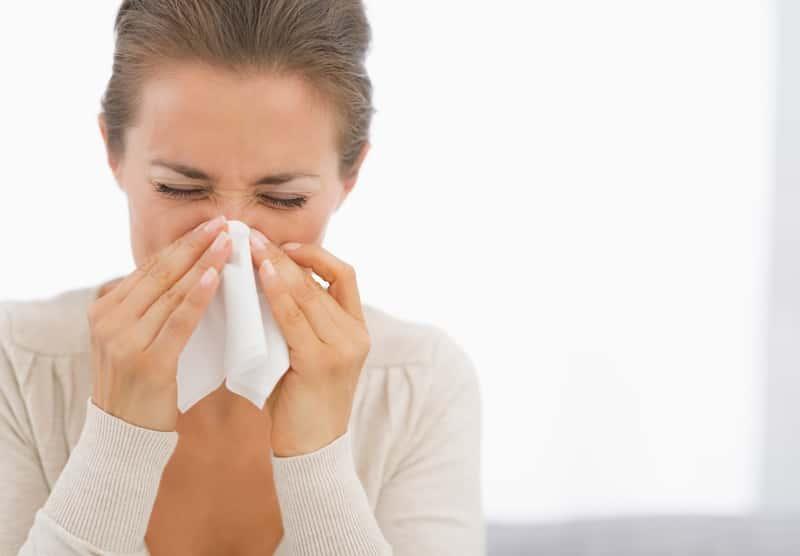 Domowe sposoby na cieknący katar – 3 naturalne metody leczenia