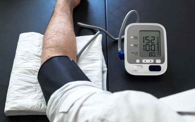 Domowe sposoby na obniżenie ciśnienia krwi – 5 najlepszych metod