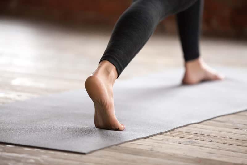 Domowe sposoby na bolące pięty – 5 skutecznych metod leczenia