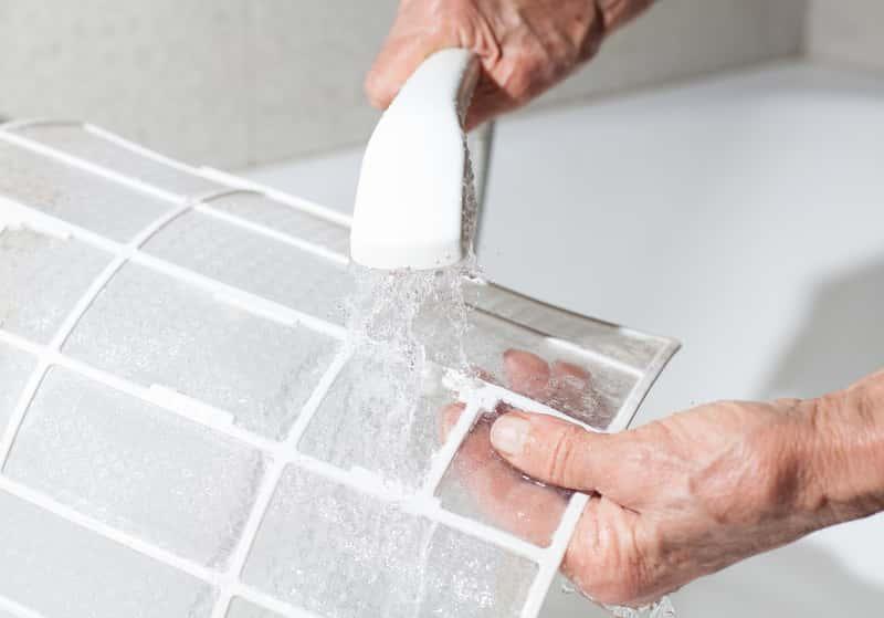 Klimatyzacja domowa podczas czyszczenia