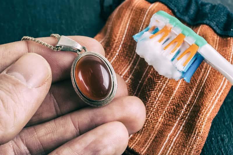 Biżuteria czyszczona sodą
