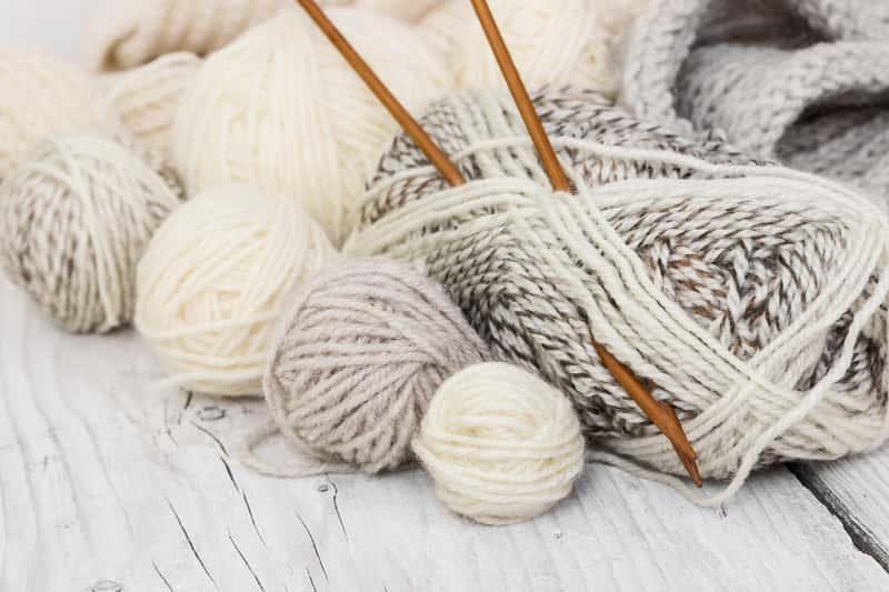 Jak zacząć robić na drutach? 5 praktycznych wskazówek krok po kroku