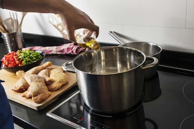 Gotowanie w garnkach indukcyjnych