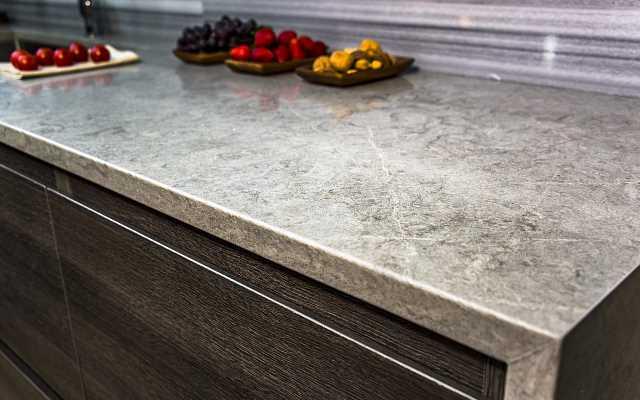 Blat granitowy – zalety blatów kamiennych