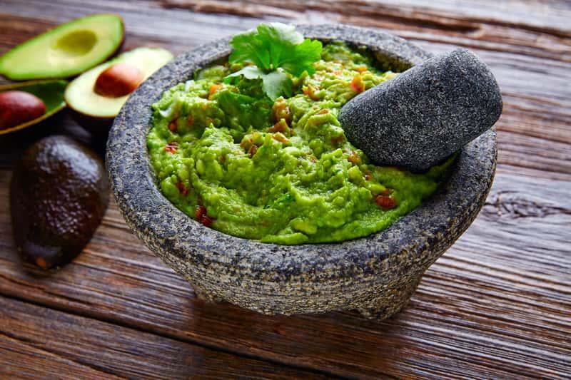 Jak jeść awokado? Oto praktyczny poradnik i najlepsze pomysły