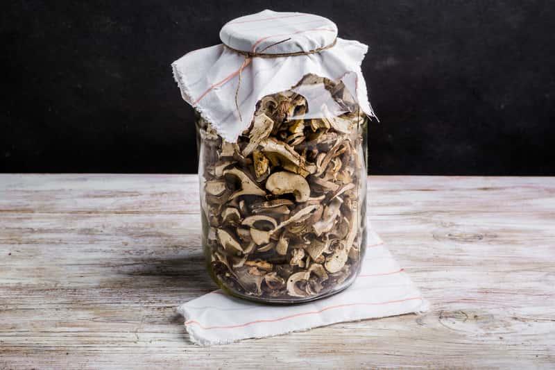 Jak suszyć grzyby? Najlepsze sposoby, które zrealizujesz we własnym domu