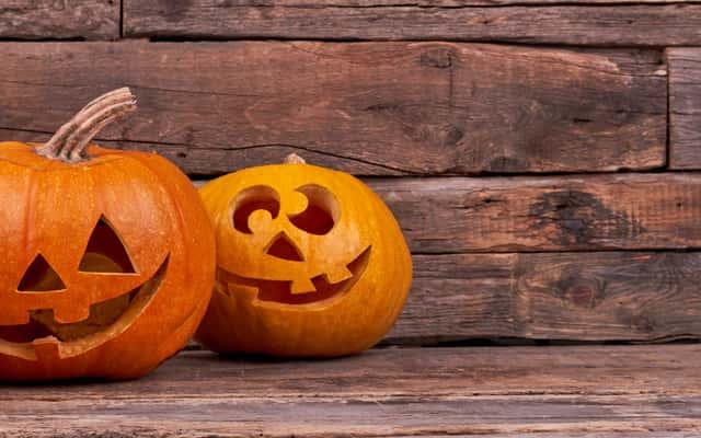 Jak wydrążyć dynię na Halloween? Wycinanie dyni krok po kroku