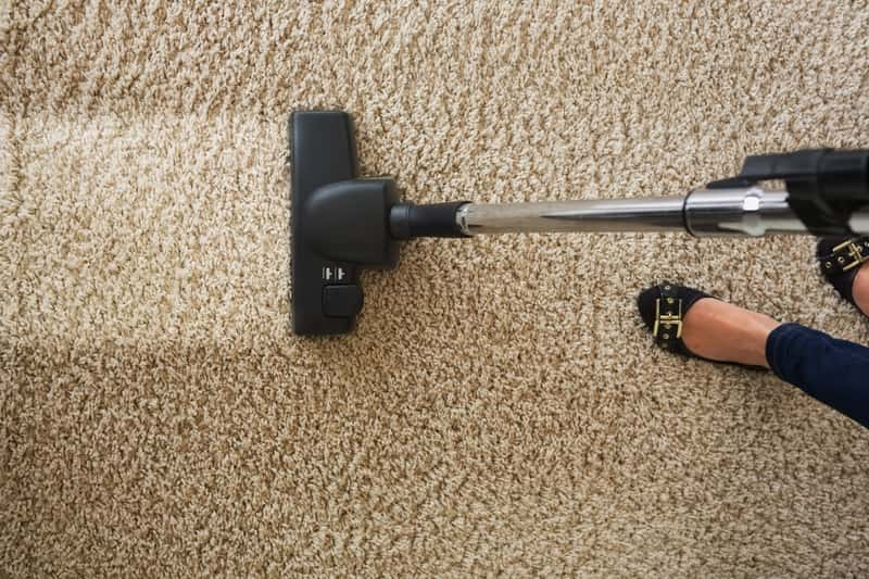 Odkurzanie i pranie dywanu