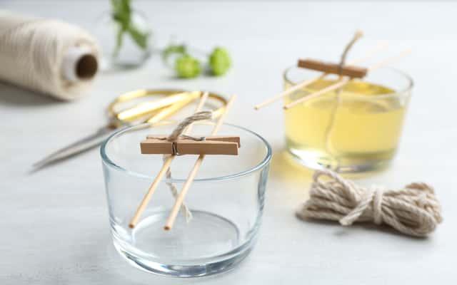 Jak zrobić świeczkę zapachową w domu? Oto praktyczny poradnik