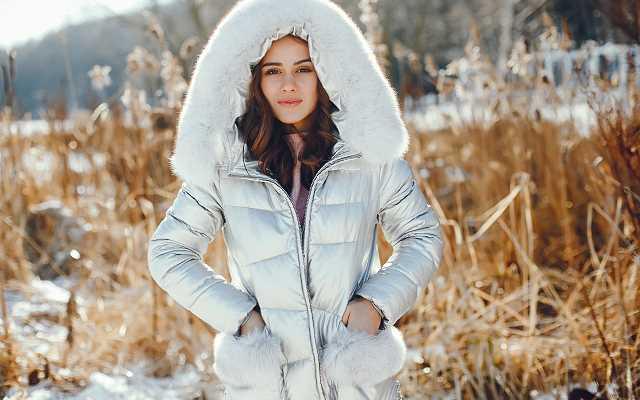 Jak dobrać idealną kurtkę na zimę
