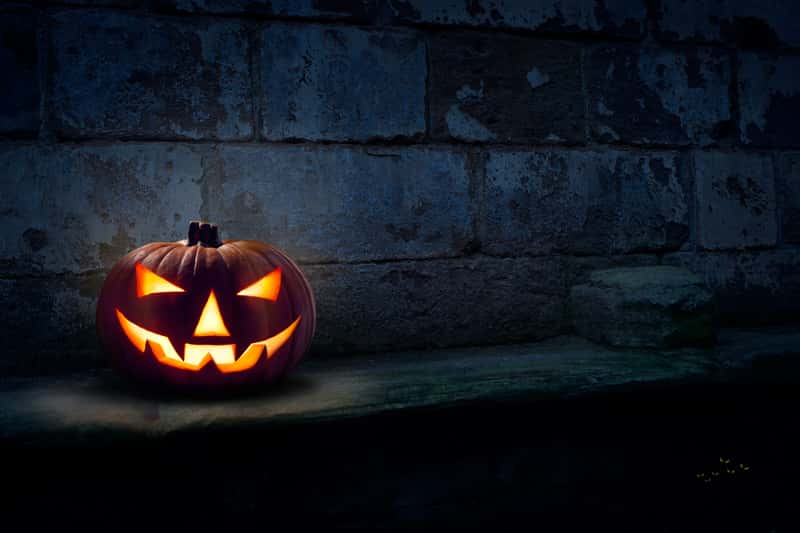 Jak zrobić lampion z dyni na Halloween krok po kroku - zrób to sam!