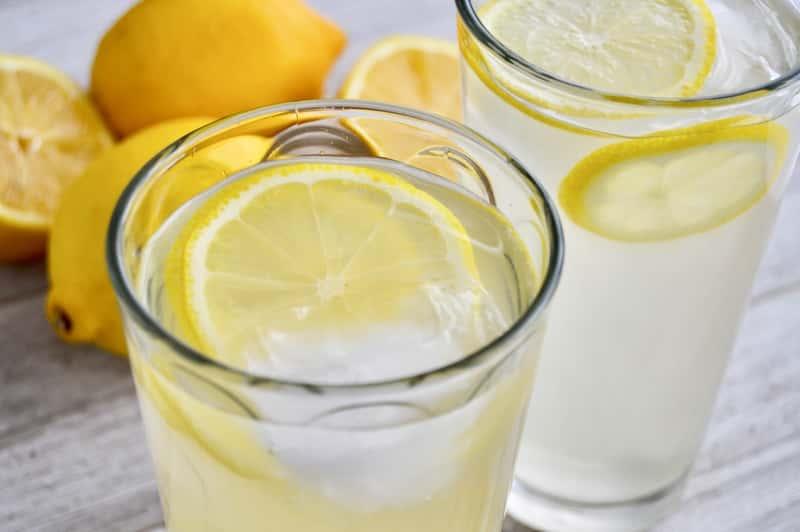 Jak zrobić lemoniadę? Najlepsze przepisy na orzeźwiający napój