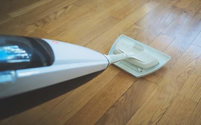 Mop parowy do paneli podłogowych - popularne modele, opinie użytkowników, ceny