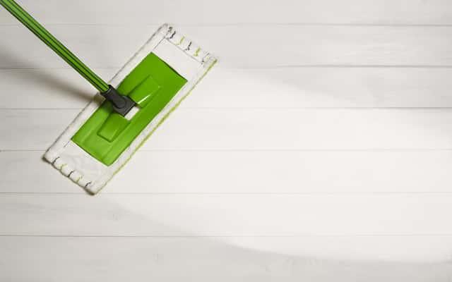Mop płaski Vileda Ultramax z wiadrem – opinie użytkowników, cena, skuteczność czyszczenia i dodatkowe informacje
