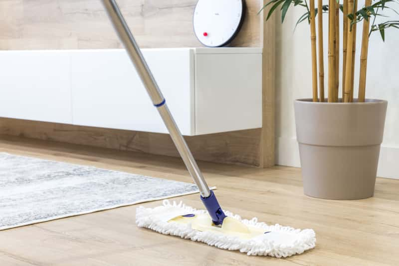 Jak posprzątać dom krok po kroku? Praktyczny poradnik