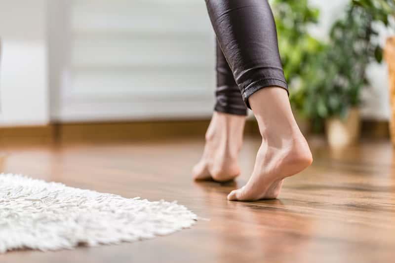 Bose stopy na panelach podłogowych
