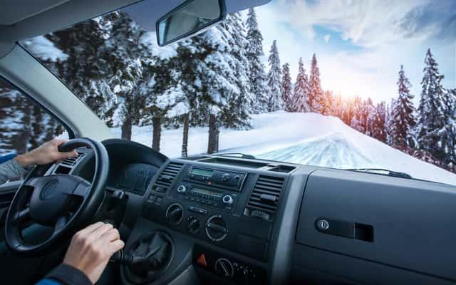 Odpalanie samochodu zimą – jak odpalić diesla w niskiej temperaturze?