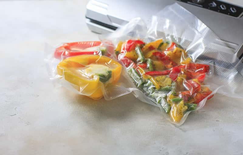 Najlepsze sposoby na pakowanie próżniowe żywności – sprawdź je!
