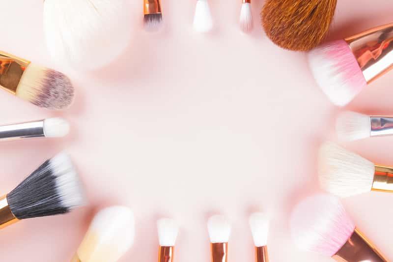 Jak czyścić pędzle do makijażu? Praktyczny poradnik krok po kroku