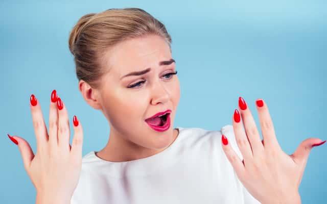 Pękające paznokcie – przyczyny, skutki, najlepsze sposoby leczenia