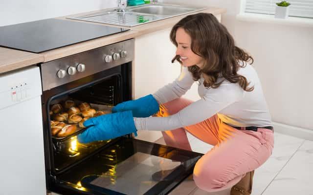 Piekarnik indukcyjny – sposób działania, opinie, ceny, zalety, wady