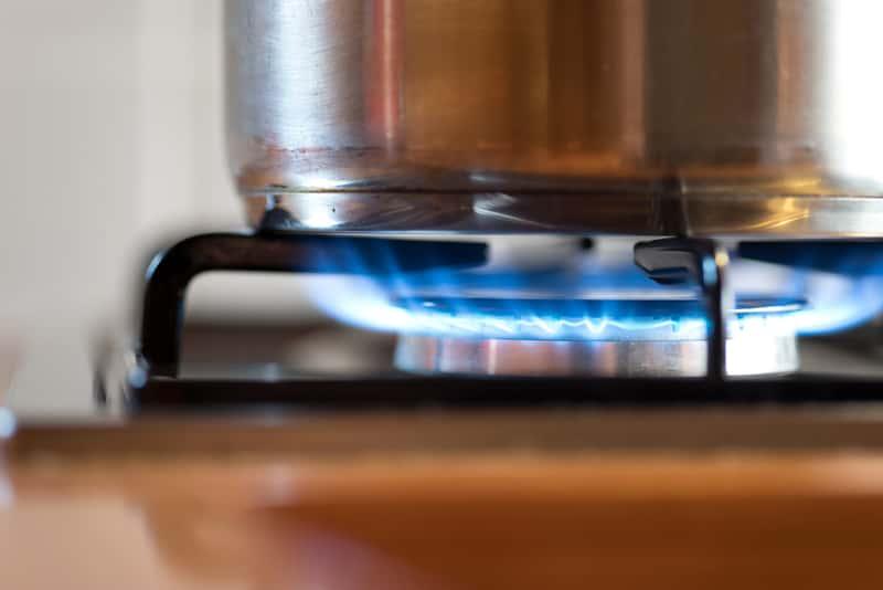 Płyta gazowa szklana podczas gotowania