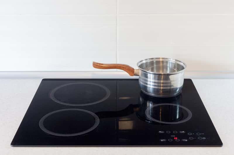 Garnek na płycie indukcyjnej Bosch. Kuchnia indukcyjna Bosch i jej polecane modele.