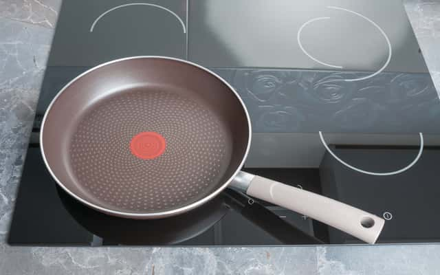 Płyty indukcyjne Whirlpool - popularne modele, opinie, ceny, zalety, wady