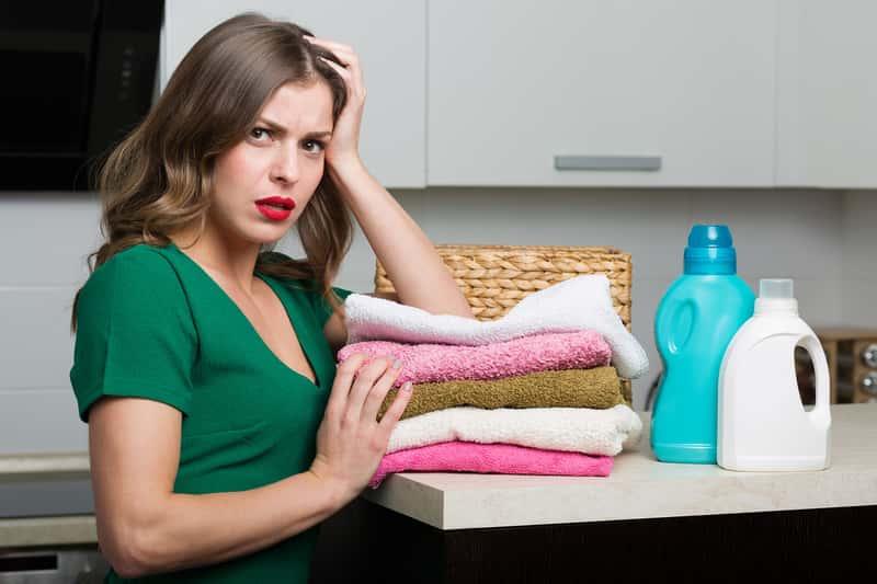 Kobieta z ręcznikami