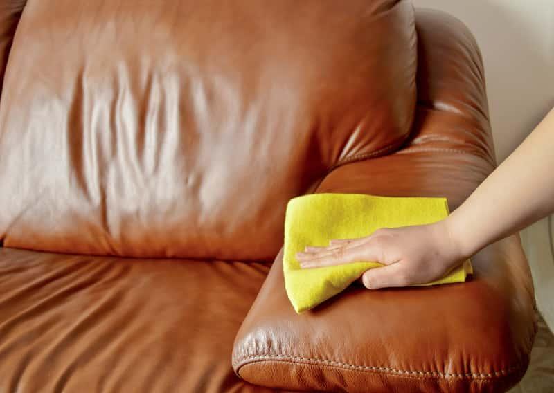 Czyszczenie mebli ze skóry