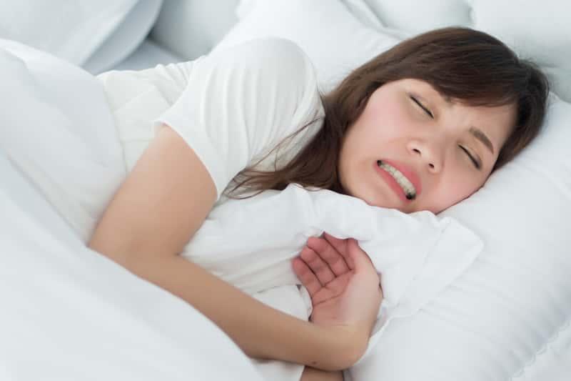 Sennik zęby – co oznaczają różne sny o zębach? Wyjaśniamy