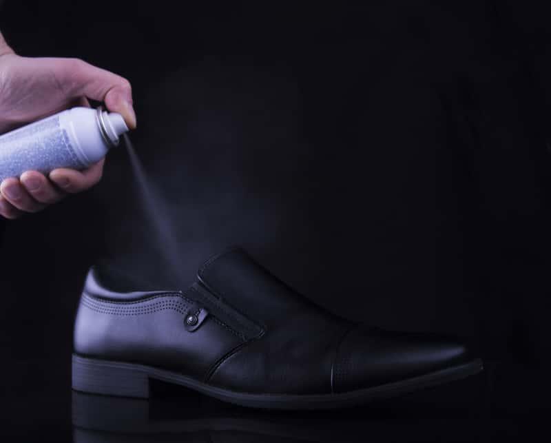 Preparat lub spray do rozciągania butów – co wybrać i jak zastosować?