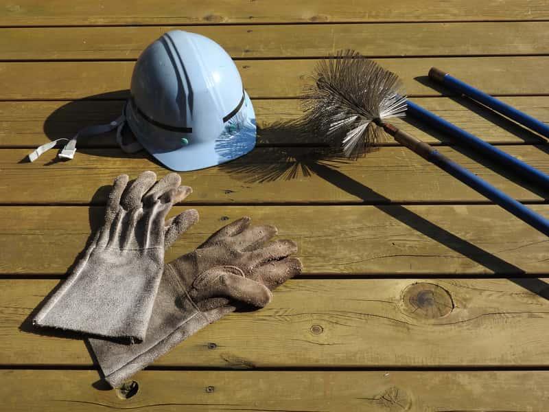 Szczotka do czyszczenia komina – rodzaje wyciorów, opinie, ceny, porady