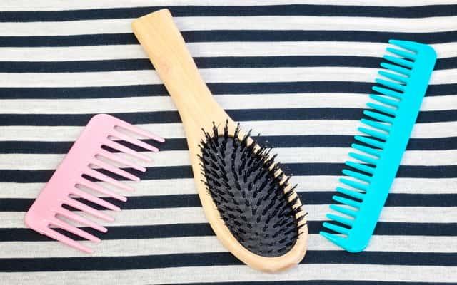 Jak wyczyścić szczotkę do włosów - sprawdzone i skuteczne sposoby
