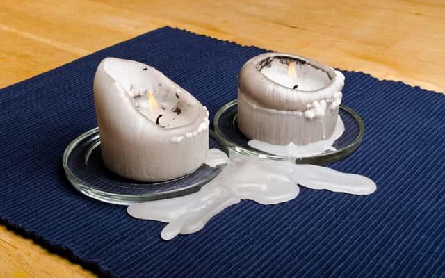Jak usunąć wosk z ubrania? Domowe i profesjonalne sposoby na zmywanie wosku