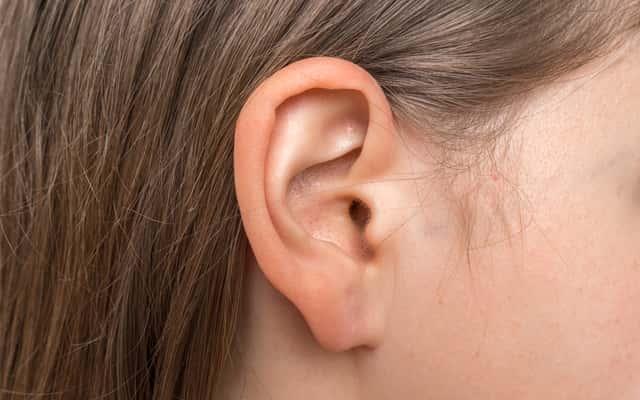 Wągry w uchu - przyczyny, objawy, skuteczne sposoby na pozbycie się ich