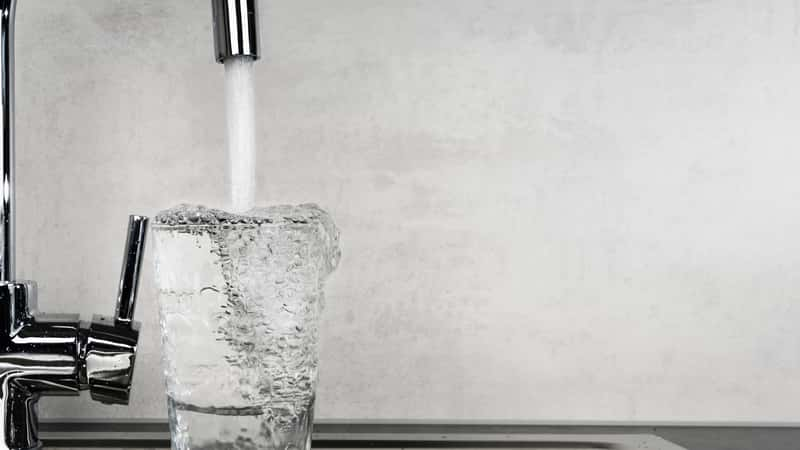 10 najlepszych sposobów oszczędzania wody - poznaj je wszystkie!