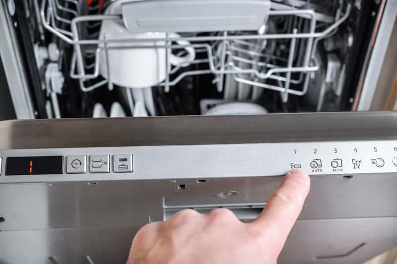 Zmywarki Whirlpool - opinie, ceny, najlepsze modele, zużycie energii i wody, hałas