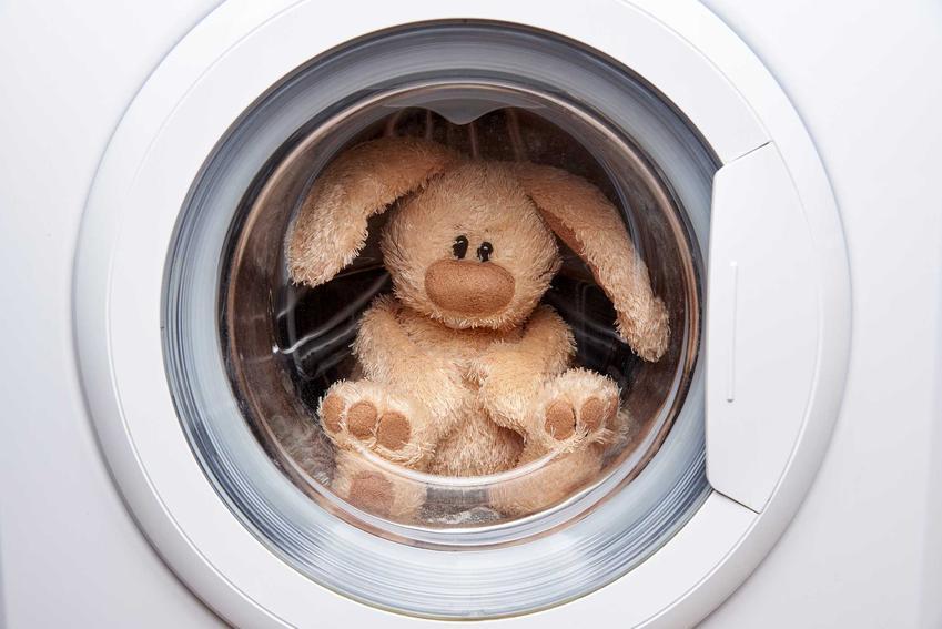 Pranie ręczne w pralce to najlepszy sposób na wykonanie prania bardzo delikatnych tkanin, które mają tendencje do łatwego uszkadzania się. Może to zastąpić pranie ręczne.
