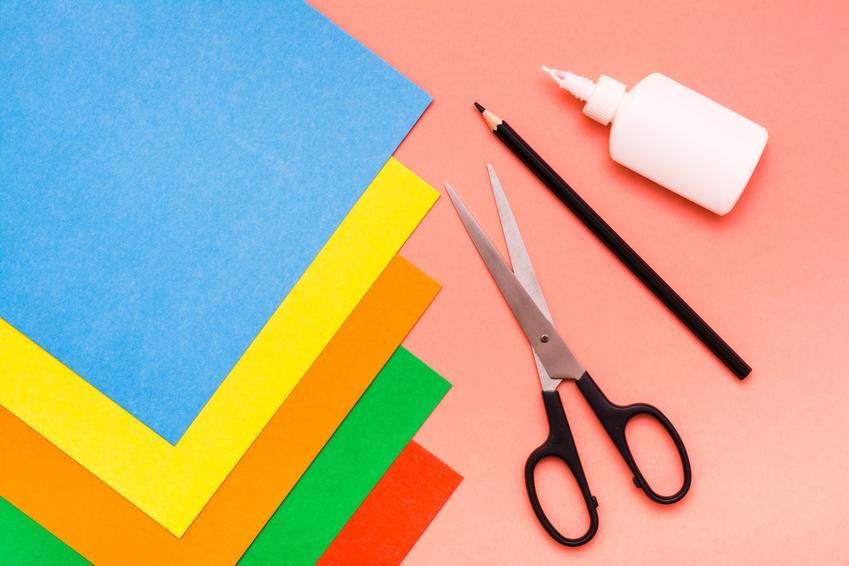 Kolorowy papier i nożyczki oraz stożek z papieru i porady jak zrobić stożek