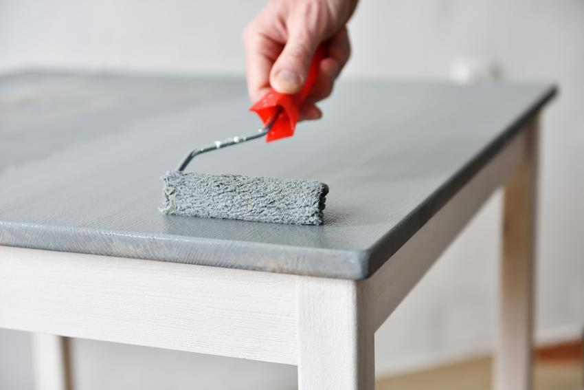 Malowanie stołu kuchennego oraz orady, jak odnowić i jak pomalować meble kuchenne