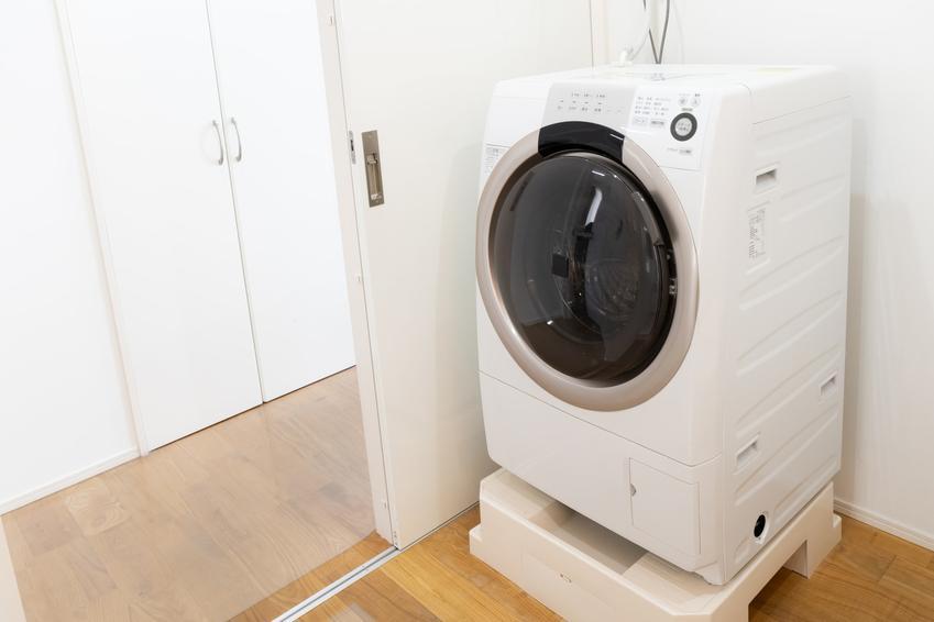 Suszarka automatyczna w pralni, czyli opinie o suszarkach do prania i polecane modele